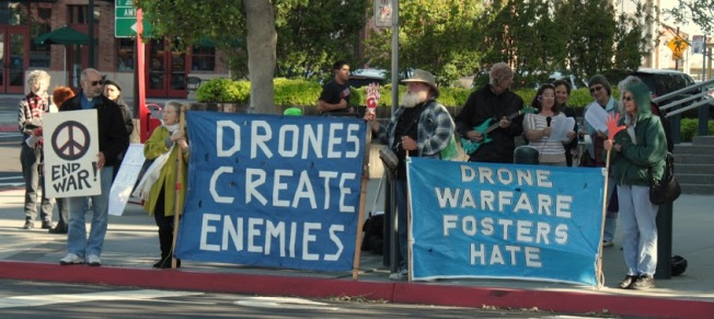Support demonstration at the federal courthouse in Sacramento.